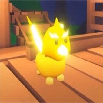 El grifo dorado, mascota de adopt me